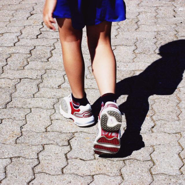 Barn som går.