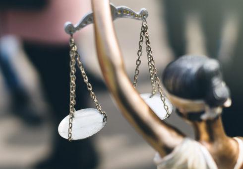 """Man friades av tingsrätten för misshandel – ansågs vara """"av god familj"""""""